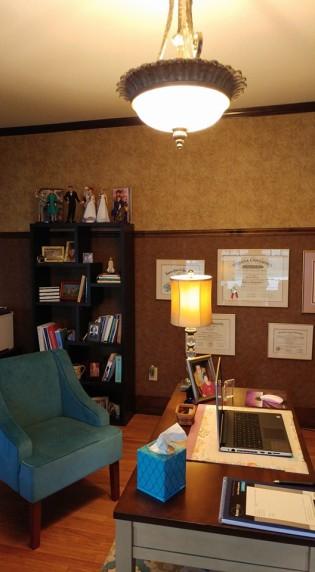 maryann-office-desk